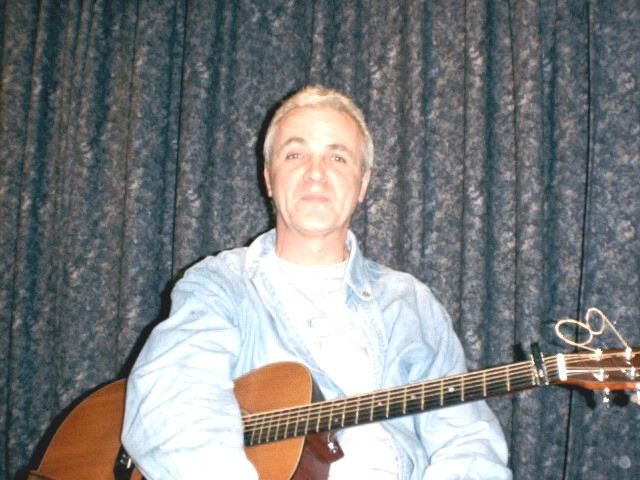 Gerry Hallom at Dartord Folk Club 22 Feb 2000